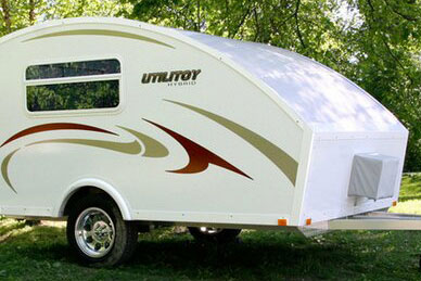 Model Characteristic Retrolike Shape Of Eveland39s Scamp Travel Trailers