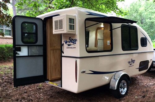 Lil Snoozy Camper Fiberglass Travel Trailers