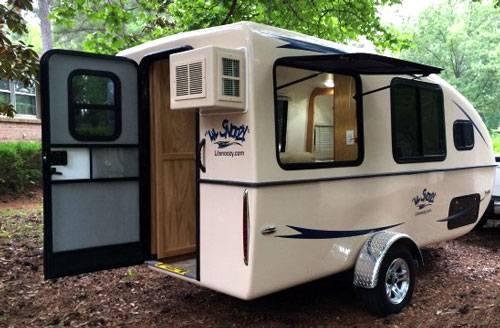 Lil Snoozy Camper Fiberglass Travel Trailers